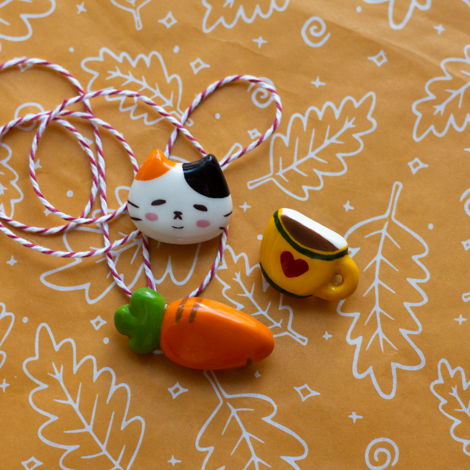 Seocat: Sharing Happiness through Handmade Trinkets