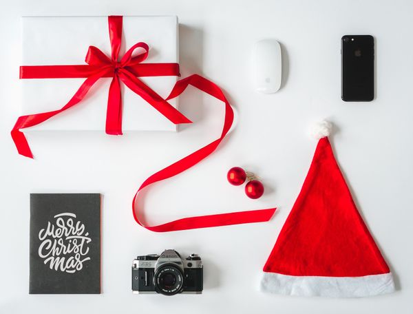 6 Tips to Create a Holiday Gift Guide That Boosts Sales